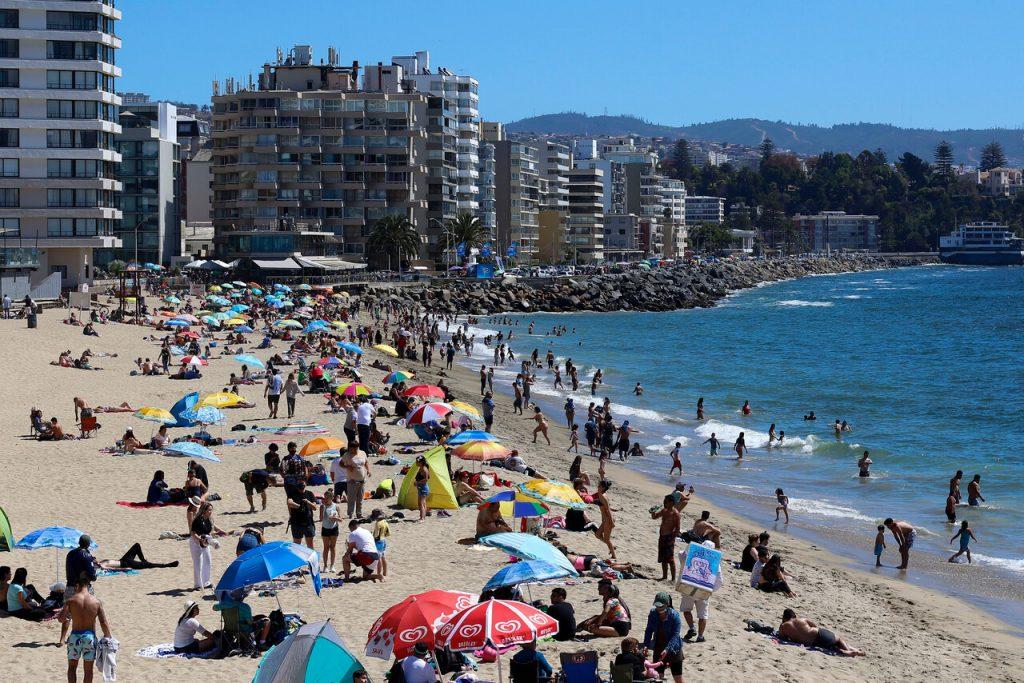 Gobierno sigue con plan de desconfinamiento: Elimina condición en viajes interregionales y abre las fronteras de Chile