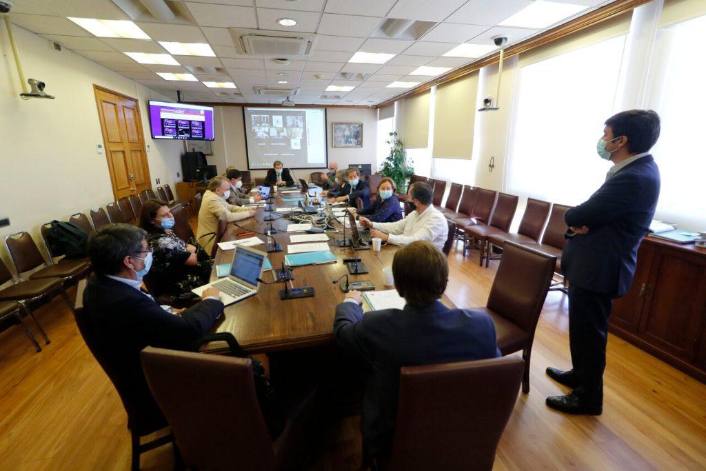 Senadores rediseñan casi íntegro el proyecto de Piñera para el segundo retiro: Universal y sin autopréstamo