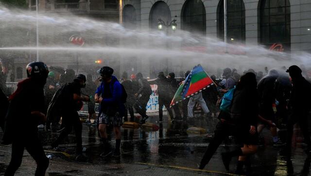Cobertura El Desconcierto: Revisa los videos de una nueva jornada de manifestaciones contra el gobierno de Sebastián Piñera