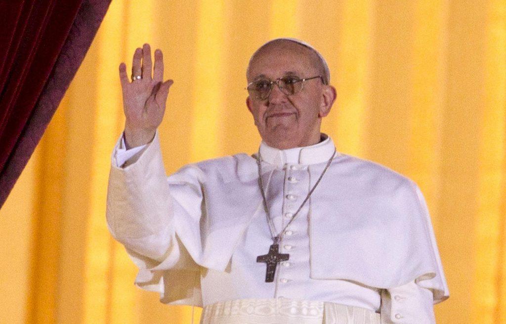 El Vaticano abre investigación luego que cuenta de Instagram del Papa dio un 'Me Gusta' a foto de modelo