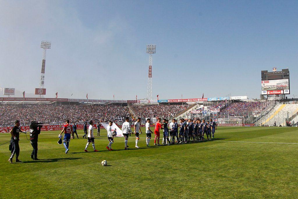 Gobierno alista el regreso del público a los estadios para el fútbol profesional masculino