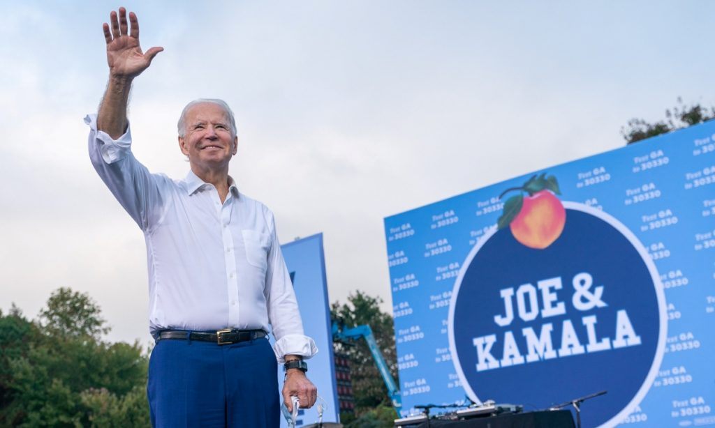 La autoridad electoral de Georgia se retracta de otorgar triunfo a Biden y sigue procesando resultados