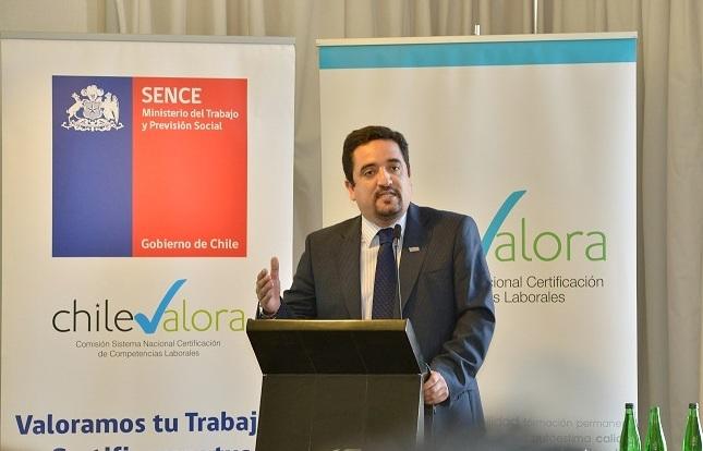 """""""¿Trabajarías de prostituta?"""": La denuncia por acoso sexual que pesa sobre el nuevo gobernador (RN) nombrado por Piñera en Iquique"""