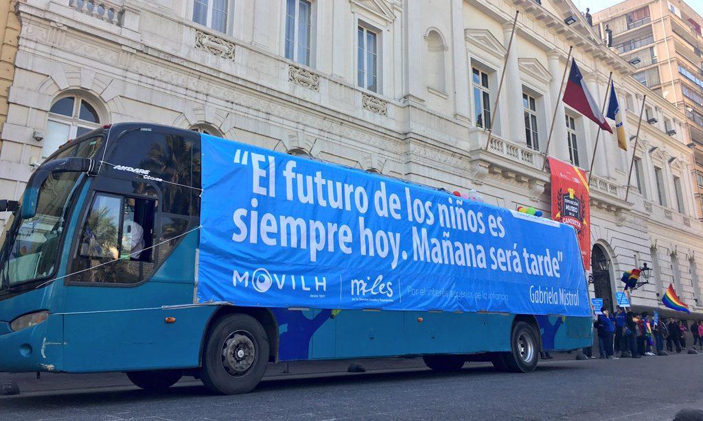 Movilh pide que observador del INDH se suba al «Bus de la Diversidad» en su recorrido