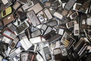 Obsolescencia programada: Europa aprueba el derecho a reparar productos y exigirá etiquetas con vida útil y capacidad de reparación de dispositivos