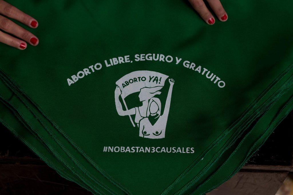 Encuesta Ipsos: 73% de las y los chilenos está favor del aborto en general
