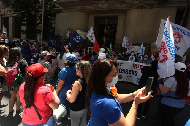 Mesa del Sector Público no logra acuerdo con el gobierno por reajuste: «Pretenden que los trabajadores asumamos todo el costo de la crisis»