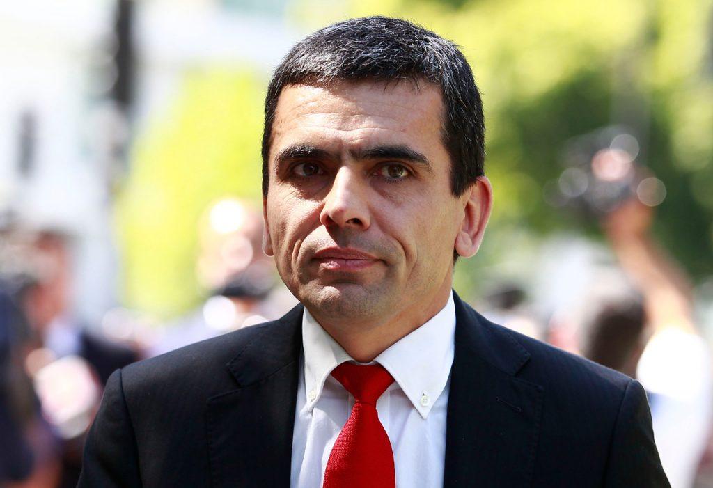 """Corpesca: Carlos Gajardo recuerda """"indecente declaración"""" de Hernán Larraín y adelanta negro futuro a Pablo Longueira"""