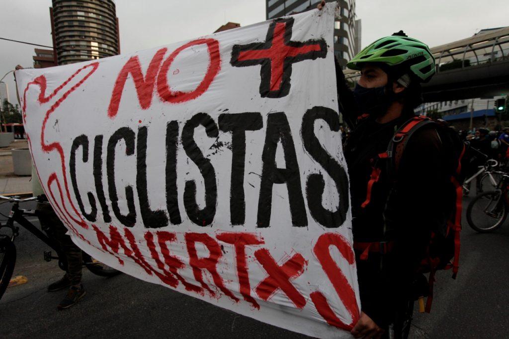 """""""Ciclomarchas"""", la nueva tendencia para rechazar y visibilizar el preocupante incremento de muertes por accidentes viales"""