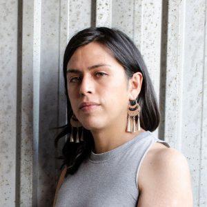 """Sebastián Calfuqueo, artista visual mapuche: """"Al gobierno no le interesa la cultura, porque le da herramientas a la gente para pensar un mundo diferente"""""""