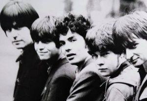 Los Bunkers siguen dando 'señales de vida' y lanzan versión remasterizada de su disco debut