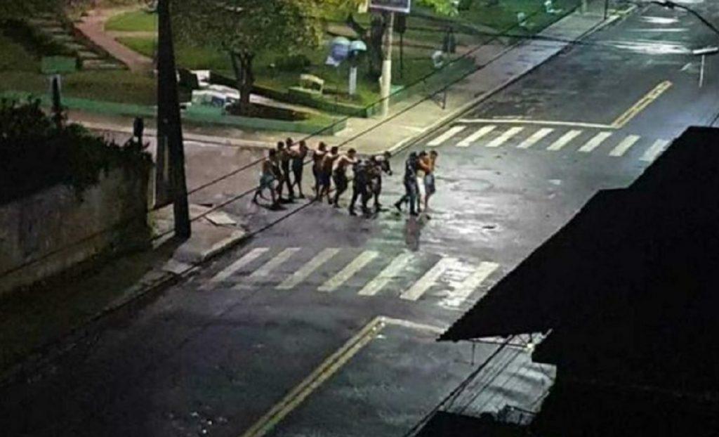 Las imágenes que dejaron los dos cinematográficos asaltos a bancos en Brasil en menos de 24 horas