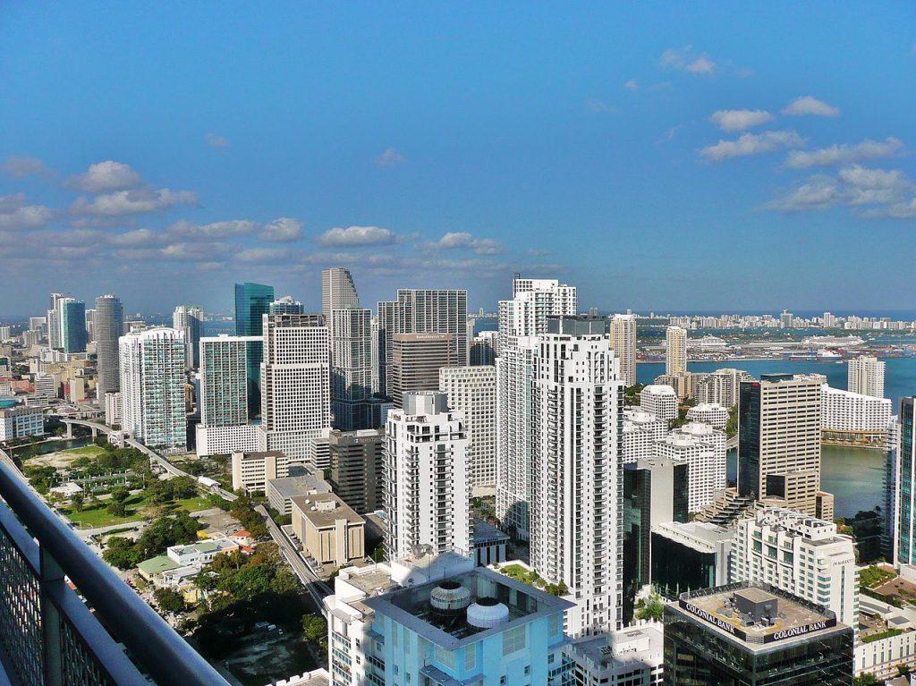 """""""Los chilenos más ricos han optado por venirse a Miami"""": Declaraciones de asesor financiero desatan revuelo en redes sociales"""