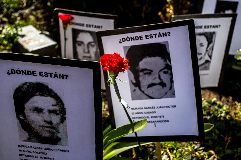 """""""No quieren que se sepan los horrores de la dictadura"""": Críticas a Chile Vamos tras rechazo a creación de la asignatura de Memoria y DD.HH."""