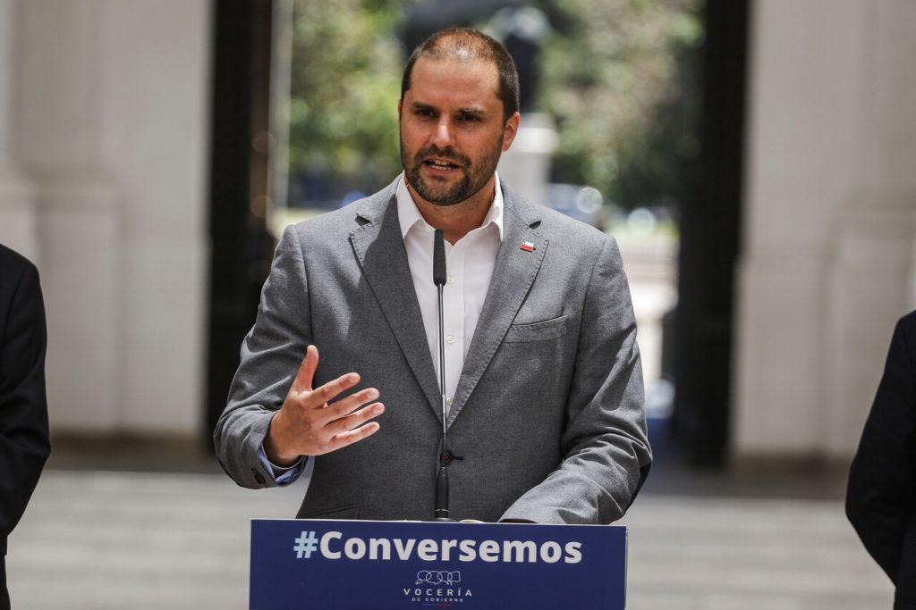 """Vocero de gobierno y polémica frase sobre constituyentes: """"Nos gustaría que ganaran los candidatos de Chile Vamos"""""""