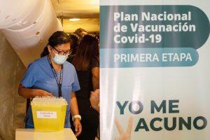 Plan de vacunación COVID 2021: ¿En qué consiste y quiénes se vacunarán primero?