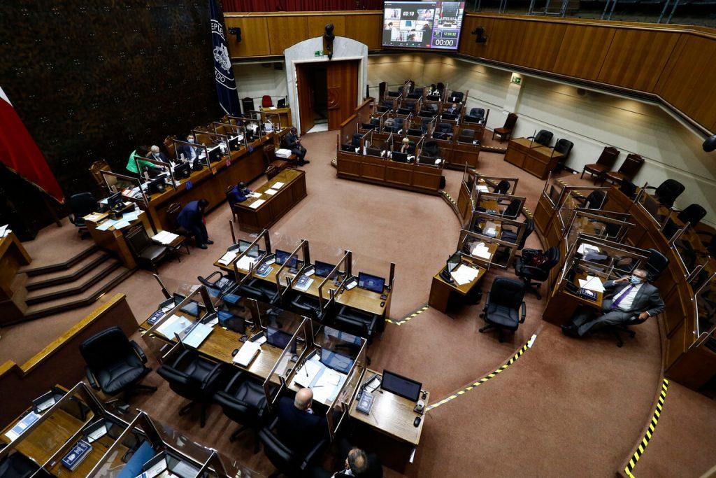 Senado despacha proyecto para retener fondos de AFP por deudas de pensión alimenticia