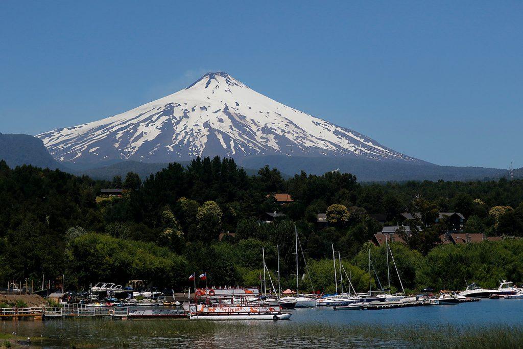 Pucón: Contraloría detecta que más de 200 inmuebles en el Lago Villarrica no pagan contribuciones