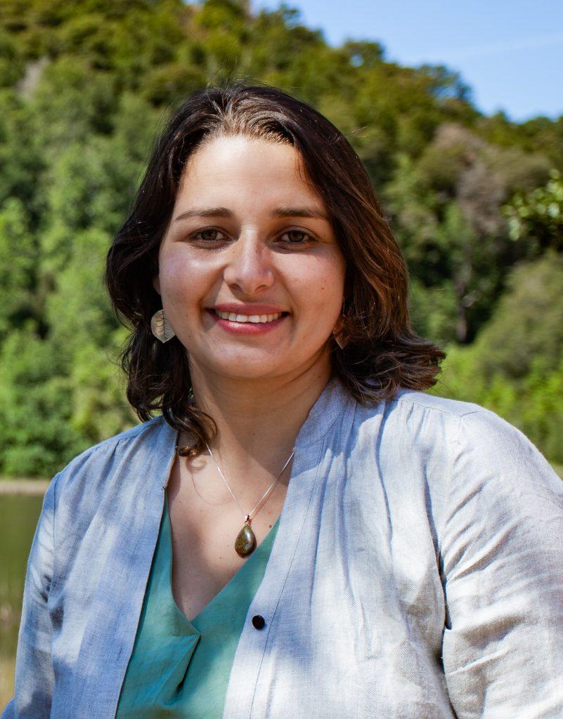 """Carla Amtmann y su carrera municipal por Valdivia: """"Las elecciones de abril son la prueba de fuego para el Frente Amplio"""""""