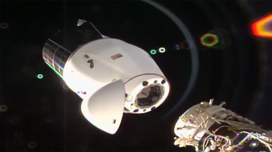 Cápsula Dragon se desmonta con éxito de la EEI y ya viaja de vuelta a la Tierra