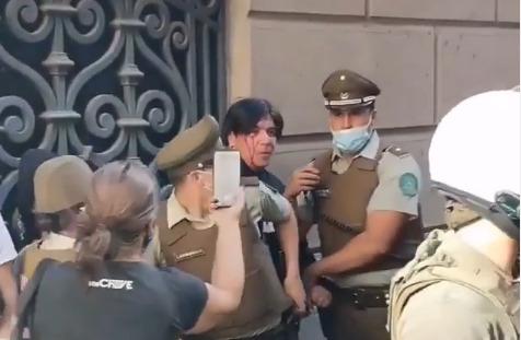 VIDEO | Miembro de 'La Vanguardia' disparó perdigones a manifestantes y fue detenido por Carabineros