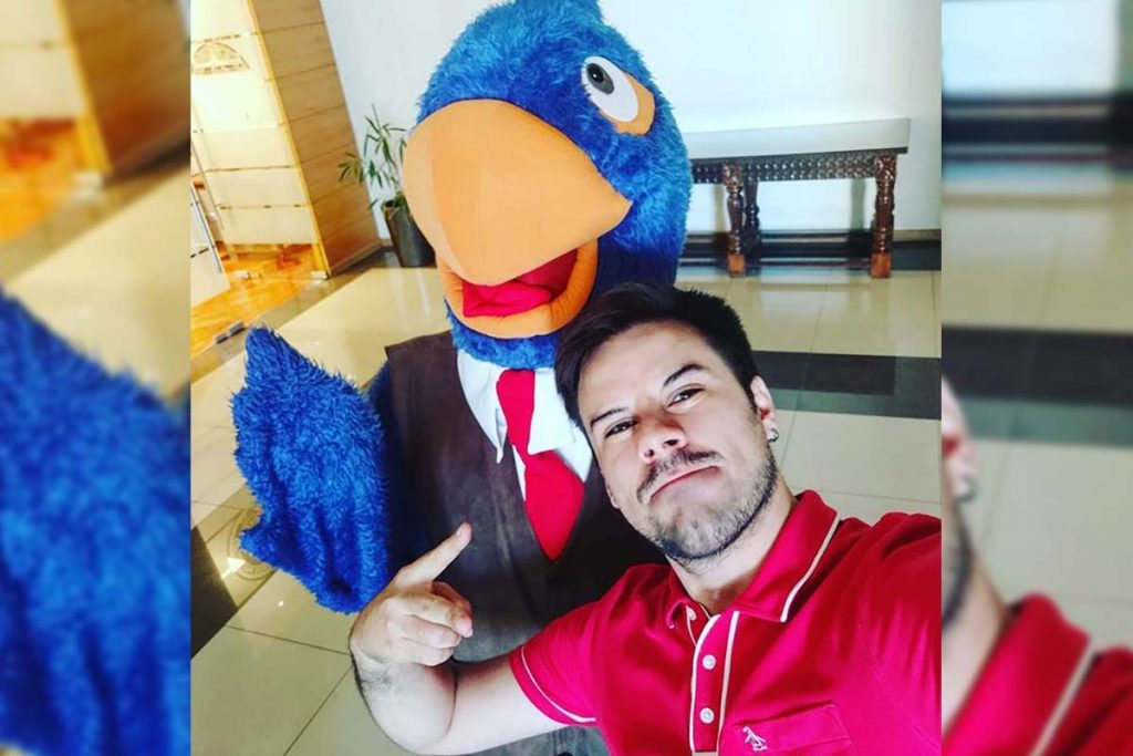 César Leiva, ex CM detrás de Contralorito: «Kast sabe que su vitrina son las redes sociales, encontrar en el enemigo un espacio de sobrevivencia»