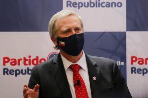 """""""Para derrotar al comunismo"""": José Antonio Kast anuncia oficialmente su candidatura presidencial"""