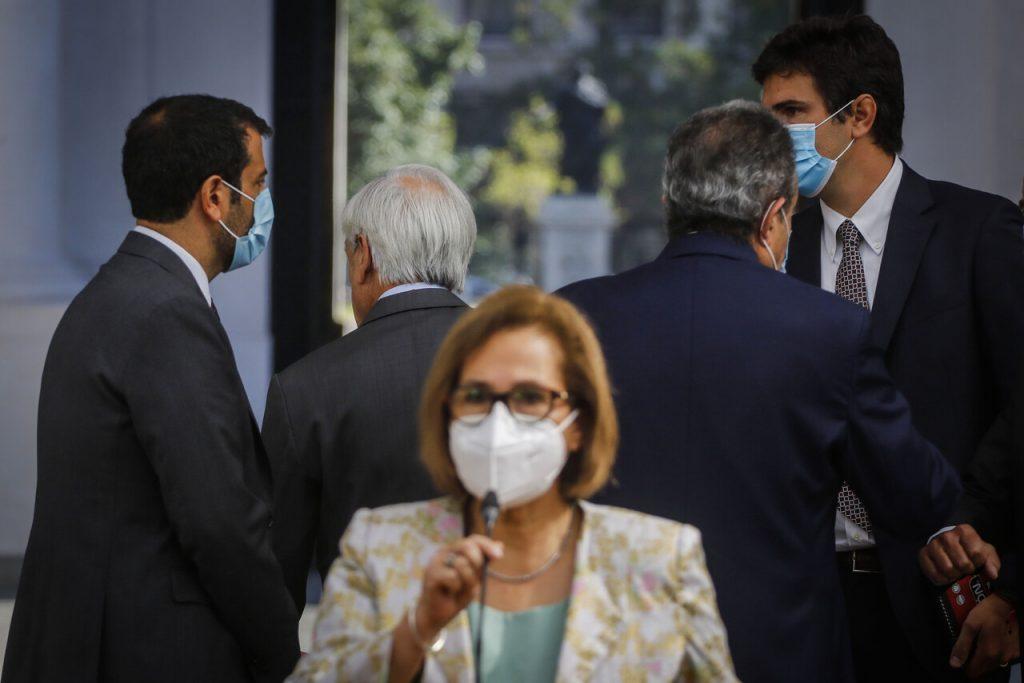 """Vicepresidente del Senado y oposición por desaire de Piñera a Adriana Muñoz: """"Inaceptable e indigno de su investidura"""""""