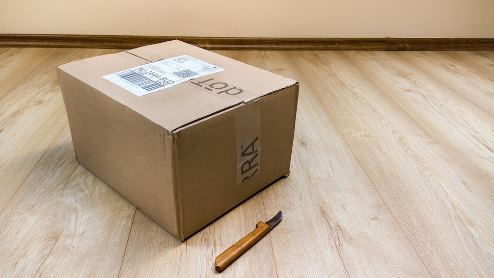 Sernac fiscaliza a empresas de correos que acumulan miles de denuncias por fallas al entregar encomiendas