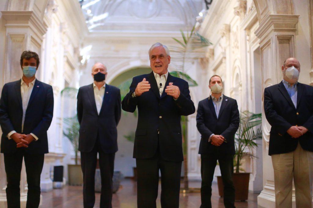 Elecciones en abril: Piñera promulga reforma para que sean realizadas en dos días
