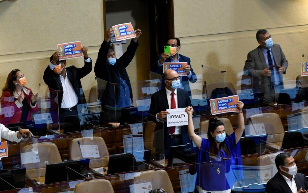Cámara aprueba idea de legislar sobre royalty minero: Chile Vamos hace reserva de constitucionalidad