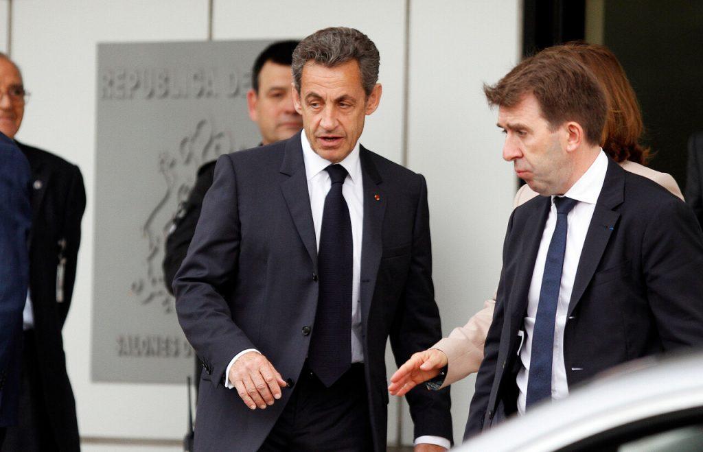 Ex presidente de Francia, Nicolás Sarkozy, es condenado a tres años de cárcel por corrupción