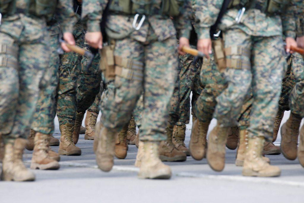 Ejército expulsa a los 14 militares detenidos por participar de una fiesta clandestina durante toque de queda