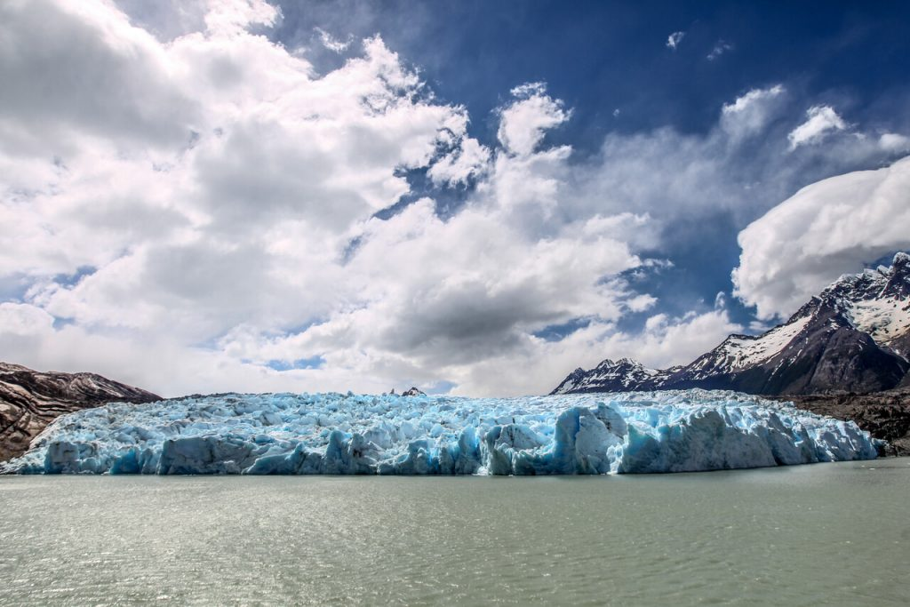 Iceberg gigante del tamaño de Londres se desprende desde la Antártica