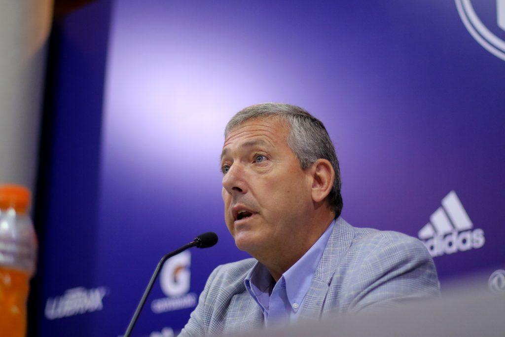 Carlos Heller acepta oferta de fondo de inversión privado por toda su participación en Azul Azul