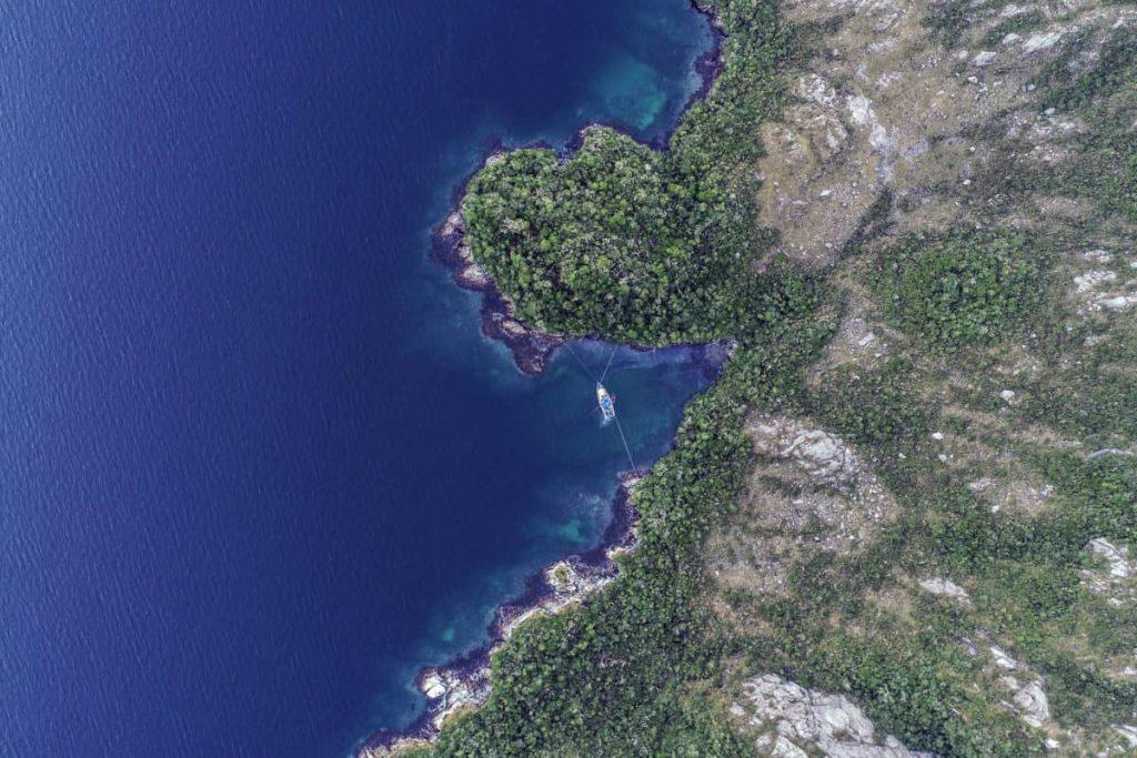 Chile: 416 concesiones para salmonicultura están en áreas protegidas