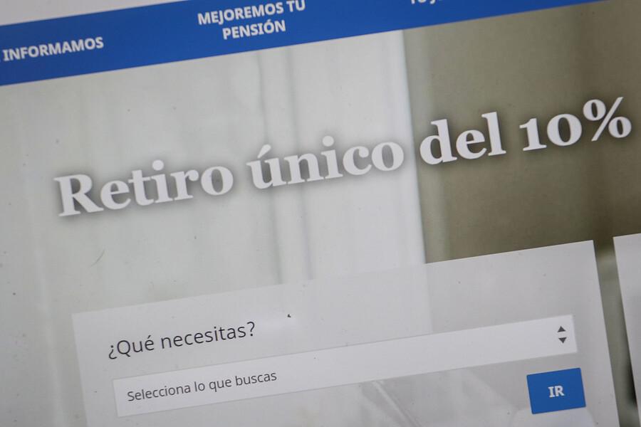 Superintendencia obliga a AFP UNO a echar pie atrás: Ordena suspender proceso del tercer retiro del 10%