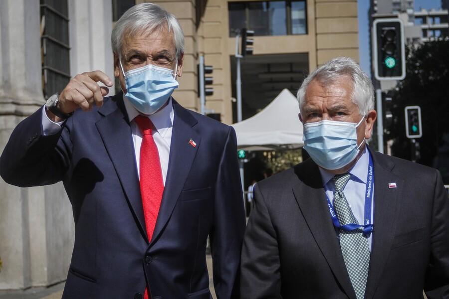 Manejo negligente de la pandemia: Admiten querella contra Paris y Piñera por cuasidelito de homicidio