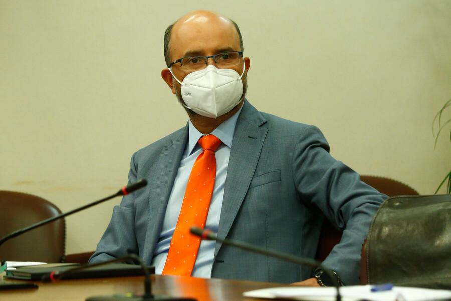 Ilabaca por apoyo del gobierno a iniciativa de Lavín para evitar un tercer retiro de AFP: «Intenta sacar un as bajo la manga»