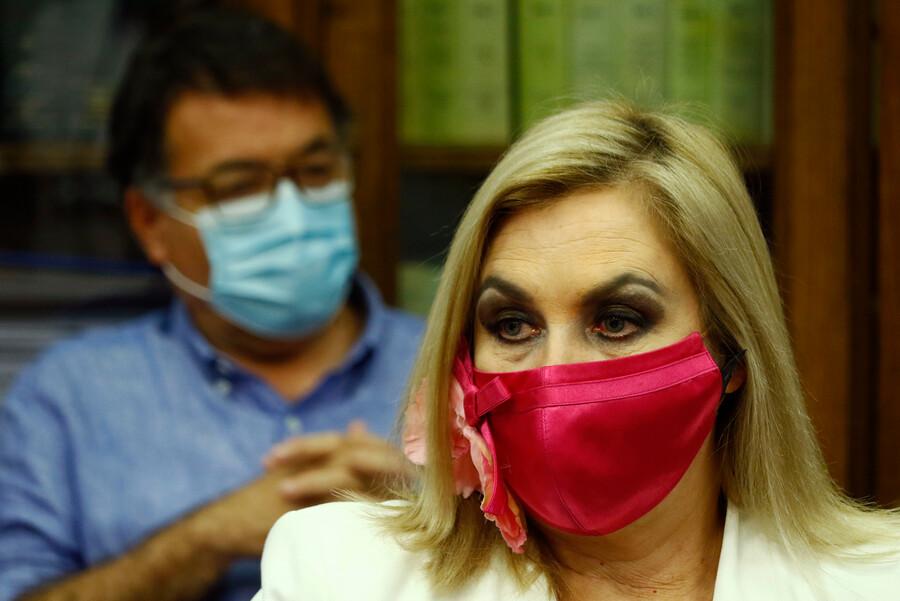 La millonaria multa que arriesga Pamela Jiles luego de sus declaraciones en local de votación