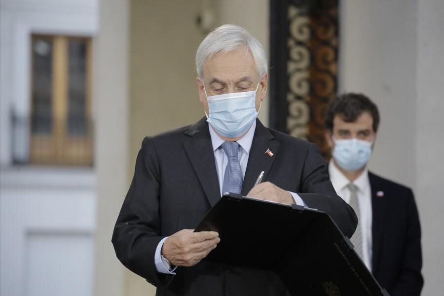 Presidente Piñera promulga reforma que posterga elecciones para el 15 y 16 de mayo