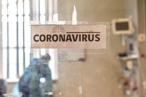 Minsal informa más de 6.000 casos diarios de COVID-19: 40 comunas avanzan en el Plan Paso a Paso