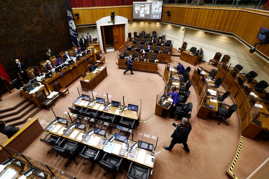 En medio de tensión por requerimiento ante el TC: Senado despacha proyecto de tercer retiro de fondos de AFP