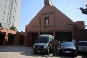 12 personas detenidas por matrimonio clandestino en la Parroquia Santa María de Las Condes