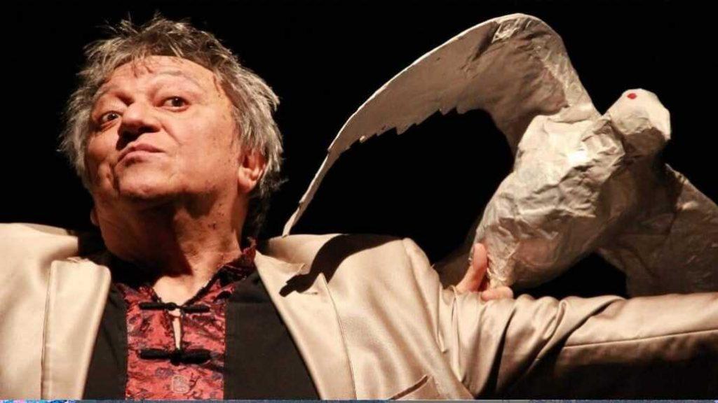 «¡Hasta siempre, Cuervo!»: Despiden en Chile y en Francia a Óscar Castro, fundador de Teatro Aleph