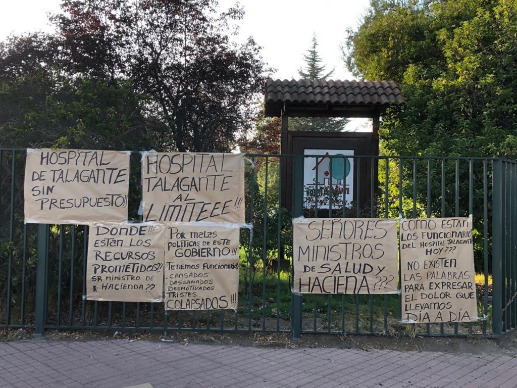 """Trabajadores del Hospital de Talagante denuncian colapso: """"Que responda el ministro y no Paula Daza"""""""