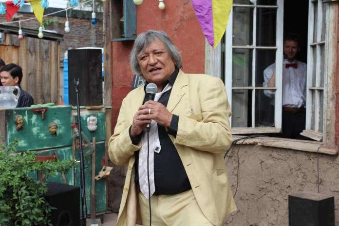 Recordando a Óscar Castro: Para reírse de los milicos había que ser valiente y creativo
