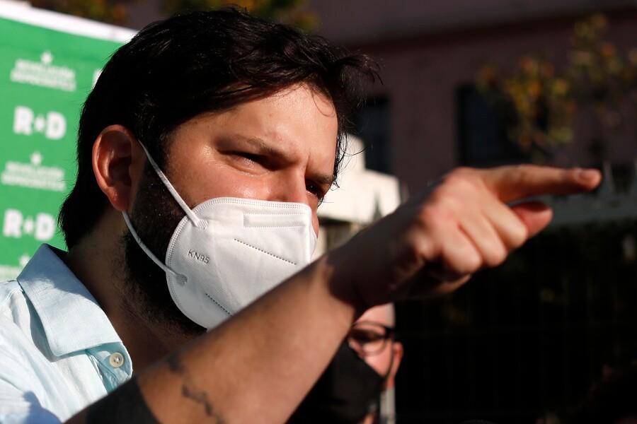 """Gabriel Boric afirma que elecciones pueden ser una salida para la """"crisis"""" en Chile"""