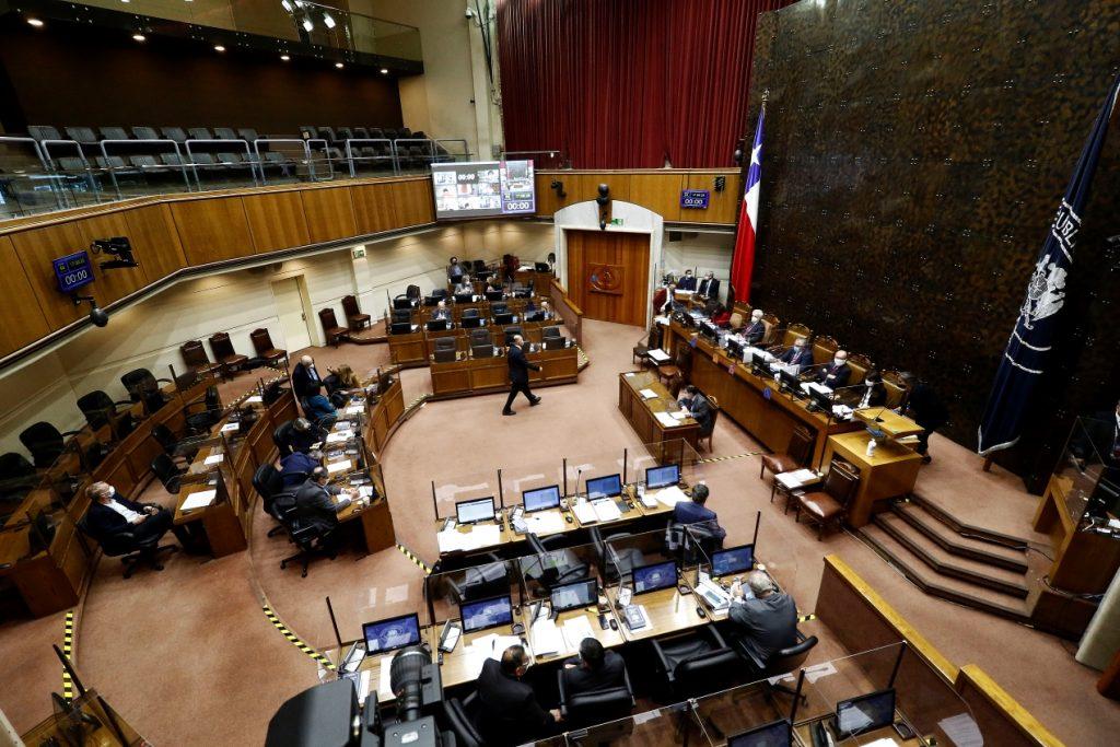 """Sólo falta su promulgación: Senado aprueba bono de $200 mil para afiliados con """"saldo cero"""" en AFP"""