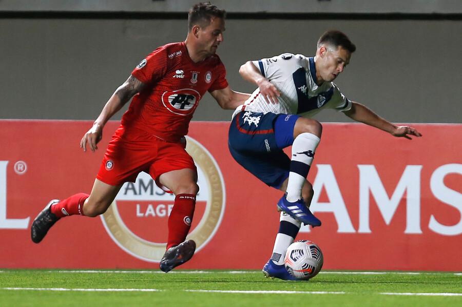 Libertadores: Unión La Calera cayó ante Vélez y queda en el último puesto de su grupo